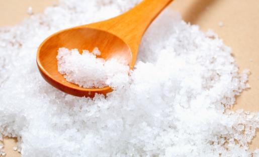 让你家的食用盐走出厨房 食用盐隐藏的日常用处揭秘