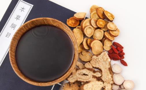 服中药期间需要忌口的食物 吃中药要遵守的禁忌大全