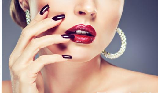 女人常做美甲小心惹上4种疾病