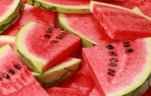 西瓜利尿促进大便畅通 千万不能吃西瓜的人群揭秘