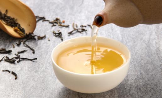 夏日饮茶好处多,医生提醒:有两类女性不宜饮茶,否则会