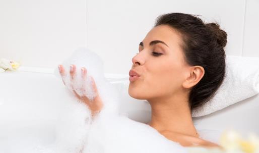 热水和冷水洗澡有什么区别?洗澡有什么禁忌