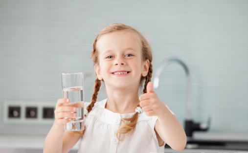 好像只有中国人不能喝凉水 推崇喝热水竟然也会致癌