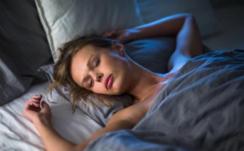 睡觉时身体突然抽搐是不是鬼压身 鬼压身的易发人群