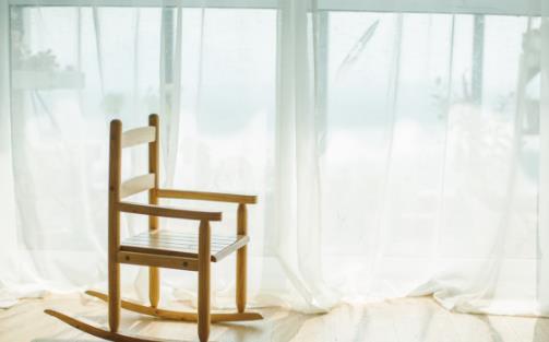 窗帘颜色选择的讲究客厅窗帘颜色