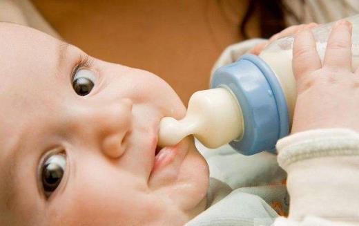 母乳之珍贵无可取代 上班妈妈为婴儿储备母乳的方法
