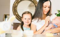 用吸奶器可刺激乳汁分泌 吸奶困难的解决方法