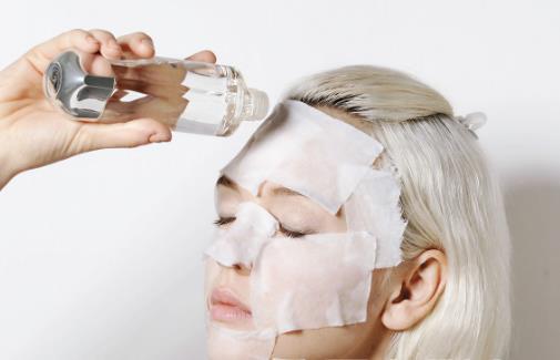 爽肤水的十大经典用法 爽肤水的正确使用方法