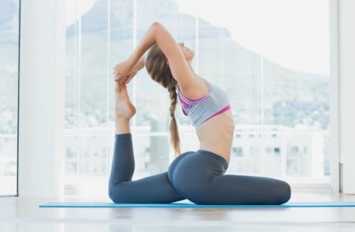 瑜伽入门姿势 新手如何练好瑜伽菜鸟看过来