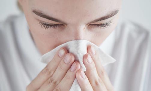 秋夏交替易得过敏性鼻炎,8种食物来相助