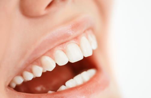 睡觉磨牙也许是睡眠姿势不正确 预防睡觉磨牙有妙招