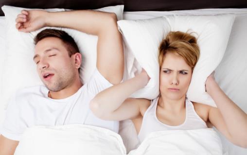 我国有30%的人会打鼾 打鼾需要拍醒吗