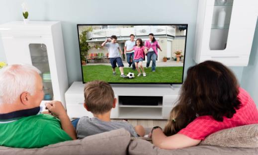 老人长期看电视 老人看电视需要注意的六个问题