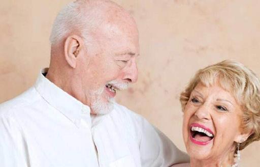 老人护牙必须知道的7个误区 能保护牙齿的9种食物