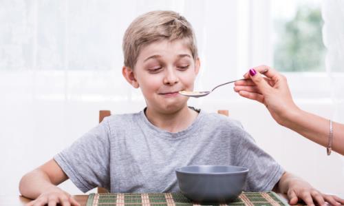 小孩不爱吃饭怎么办 6招轻松解决