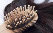 女性脱发的八大原因 防脱发的食谱来预防