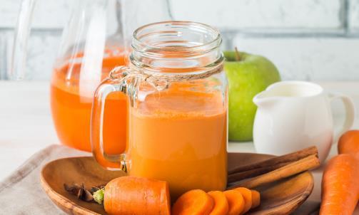 排毒养颜的蔬菜汁推荐 健康喝果汁新鲜果汁不宜