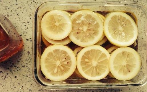 柠檬蜂蜜水的功效 喝柠檬蜂蜜水的8大禁忌