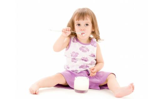 酸奶营养价值高 喝酸奶时应该注意的六件事情