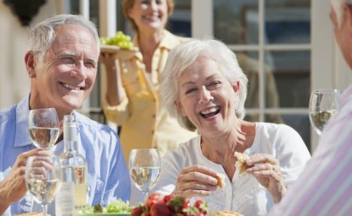 老年人在饮食方面吃的健康 需要遵循的事项