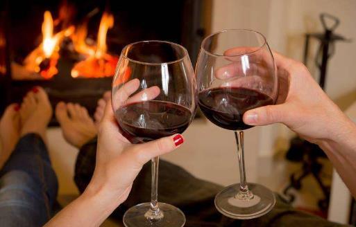 老年人喝葡萄酒的7大好处 喝葡萄酒有好处但不要贪杯