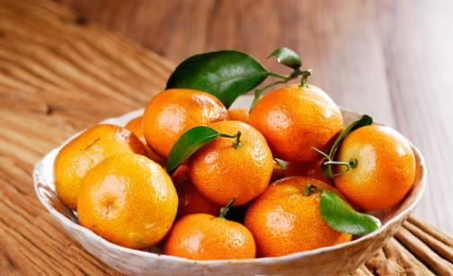 多吃黄色水果能让皮肤变黄 橘黄症是小儿多发的病症