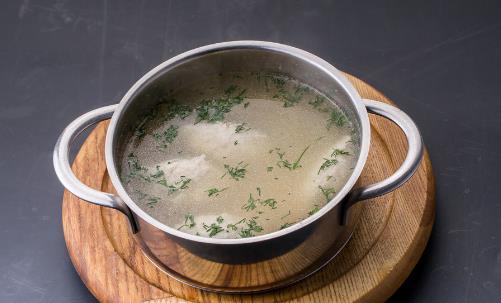 自制高汤安全健康又美味 家常高汤的熬制方法