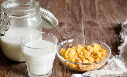 喝牛奶和不喝牛奶身体有啥差别 牛奶怎么喝才健康