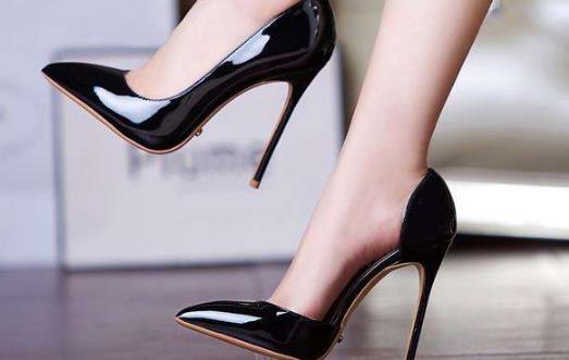 高跟鞋悄悄偷走女性的健康 警惕给你带来的十大伤害