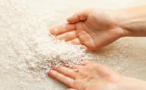 淘米水的日常小妙用 淘米水洗脸有助舒缓皮肤瘙痒
