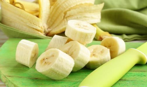 根据香蕉的表皮状况来选择保存方法
