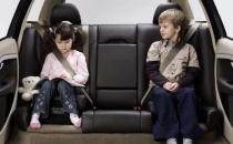 宝宝乘车注意事项 孩子不宜系成人安全带