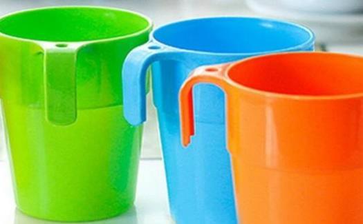 喝水千万别用这些水杯 水杯的简单清洗方法