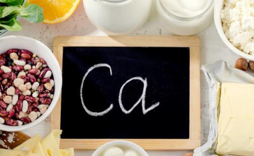 身体缺钙怎么补 补钙喝骨头汤好还是吃钙片好