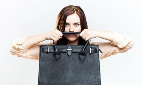 名牌包包延长使用寿命的保养法 让你的包包一直如新