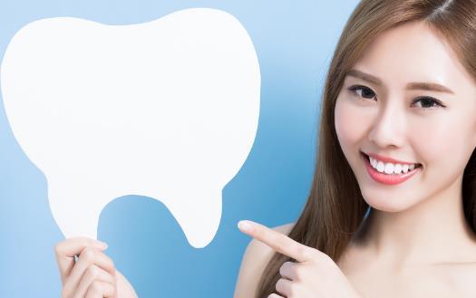 口腔健康受日常饮食很大干扰 能美白牙齿的10种食物