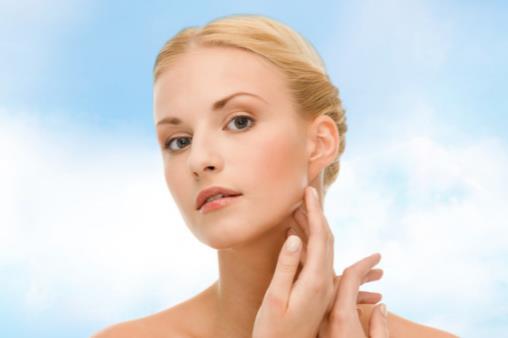快速修复敏感肌肤 秋冬换季敏感肌肤的护理法则