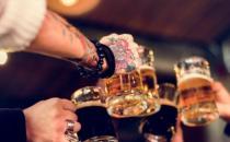 喝酒要遵循的七大原则 狂饮酒容易惹上疾病