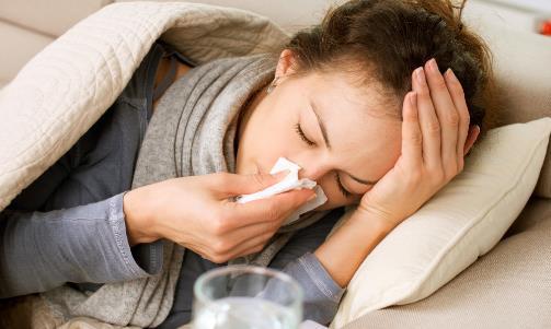 小偏方缓解感冒咽喉肿痛效果好 快来食疗治感冒