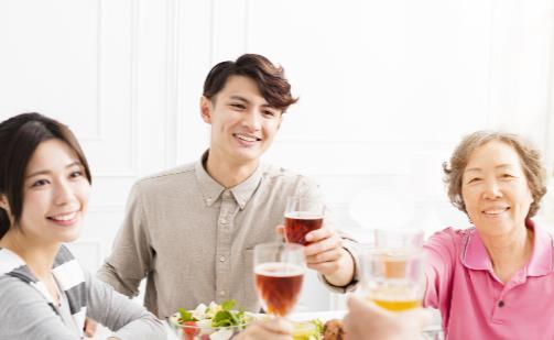 全国超1亿人不按时吃晚饭 吃晚饭的最佳时间是6点