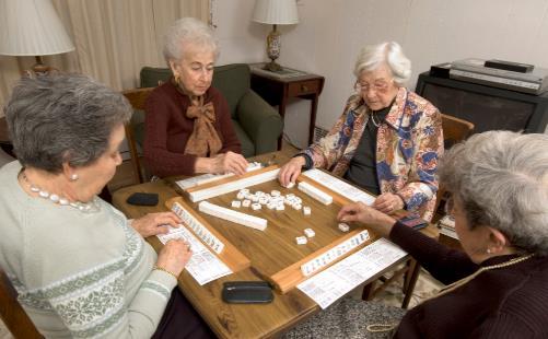 打麻将有益中老年人心理健康 打麻将还有哪些好处