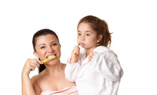 刷牙用最合适的牙膏量 使用牙膏的误区你别踩