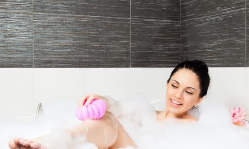 每天都洗澡反而帮倒忙 冬季洗澡的正确打开方式来了