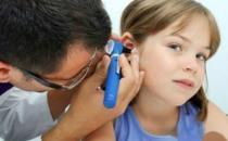 挖耳朵小小的动作易致耳袭 隐藏着很大的风险