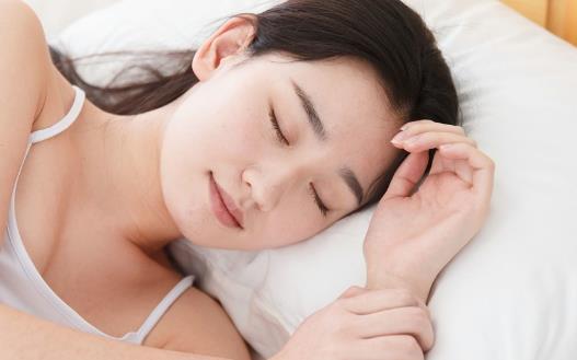 周末补眠要小心的危害 睡懒觉可影响肌肉的兴奋性