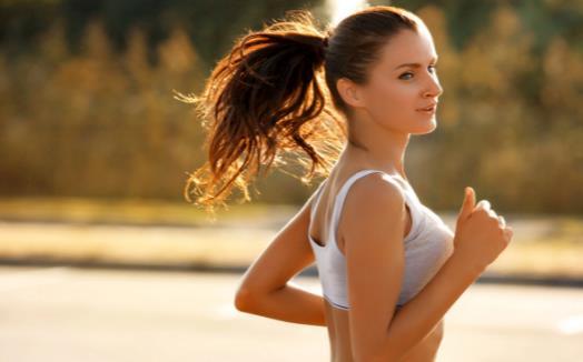 适当慢跑对身体好处多 坚持慢跑的养生功效