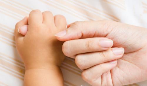 握拳拇指弯曲就是拇指内扣?