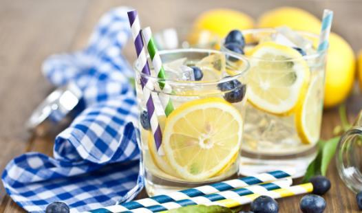 柠檬水减肥原理 注意喝柠檬水有8个误区