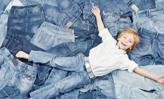 牛仔裤的日常保养法则 牛仔裤第一次下水前应做的事