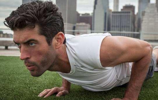 做俯卧撑的10个技巧 俯卧撑的8种练习方式